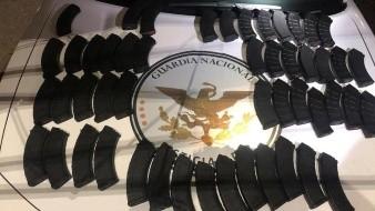 Asegura Guardia Nacional 50 cargadores de arma en autobús de pasajeros en Magdalena