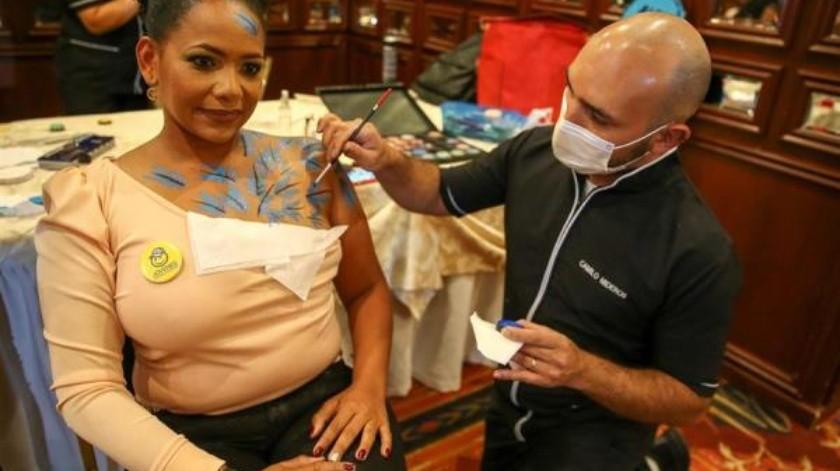 """""""Cicatrices de Honor"""": La lucha contra el cáncer de mama en Ecuador(EFE)"""