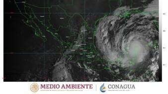 A las 07:00 horas, tiempo del centro de México, el centro del huracán Delta, de categoría 2 en la escala Saffir-Simpson, se localizó sobre tierra aproximadamente a 55 kilómetros (km) al oeste de Cancún.