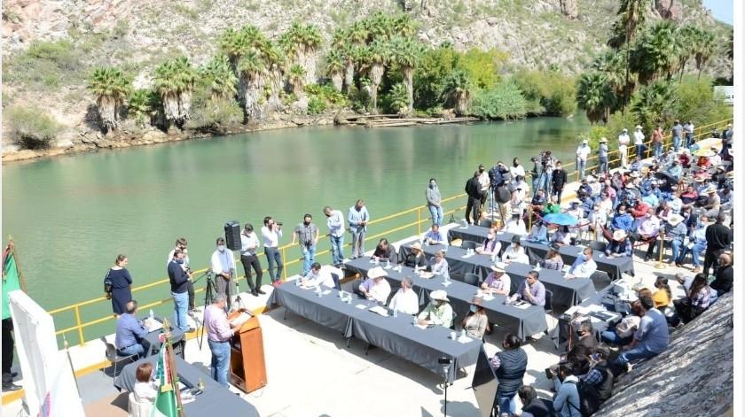 El asunto del agua de Chihuahua con Esrados Unidos se ha prolongado tanto que el agua se está evaporando, dijo el Presidente.(Archivo GH)