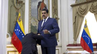 El presidente venezolano anunció que su hijo y su hermana serán voluntarios en los ensayos antes de iniciar la distribución de una vacuna en la que no todos los científicos confían.