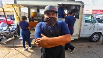 Ponen de buen humor con hotcakes a Pueblo Nuevo