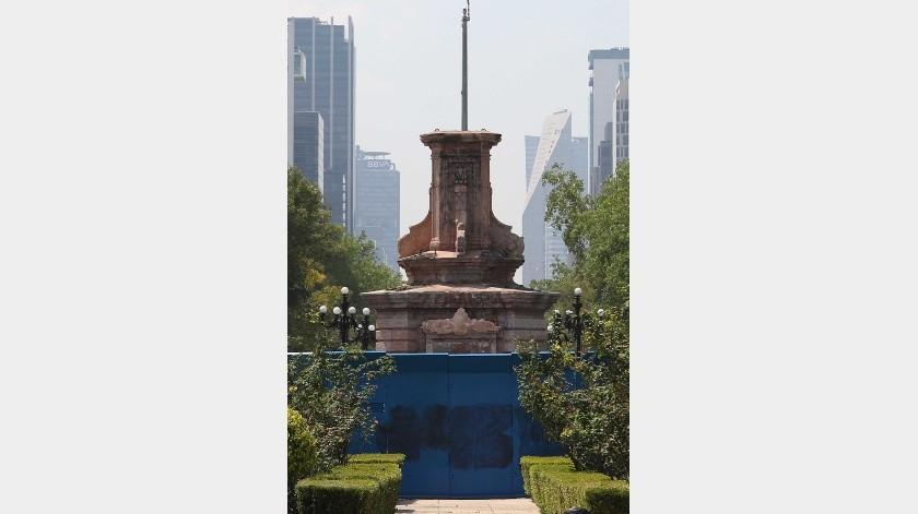 La Secretaría de Gobierno capitalino informó que con el apoyo del INAH y del Centro Nacional Conservación y Registro del Patrimonio Artístico Mueble (Cencropam), se restaurará la estatua.(El Universal)