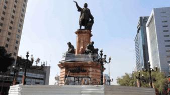 La Secretaría de Gobierno capitalino informó que con el apoyo del INAH y del Centro Nacional Conservación y Registro del Patrimonio Artístico Mueble (Cencropam), se restaurará la estatua.