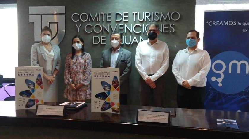 Giovanna Mayén, directora de Grupo Molecular dio detalles del congreso en conferencia de prensa.(Alejandra Pérez)