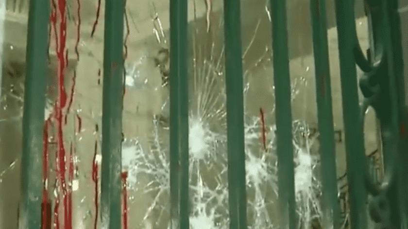 Esta mañana se documentaron los daños en las instalaciones del Congreso.(Especial)