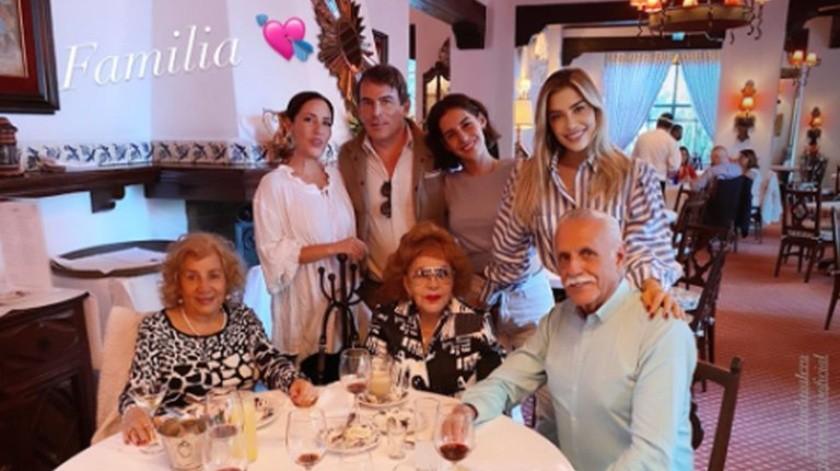 Michelle Salas celebró en grande su reencuentro con su bisabuela Silvia Pinal.(Cortesía)