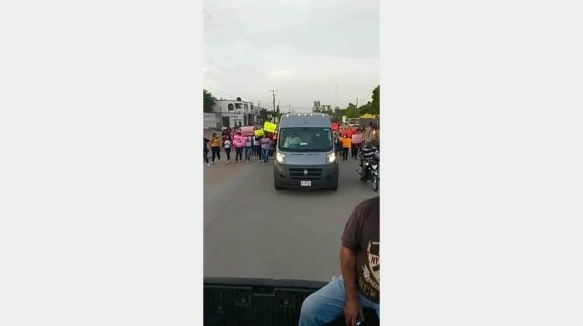 Rosa Angélica fue despedida ayer por familiares y amigos en Villa Juárez.(Especial)