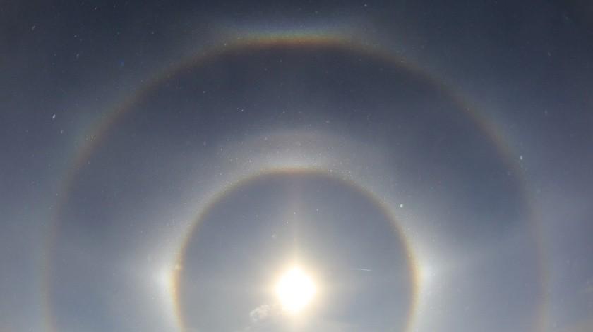Tres soles ilumina el cielo de una ciudad china(Tomada de la red)