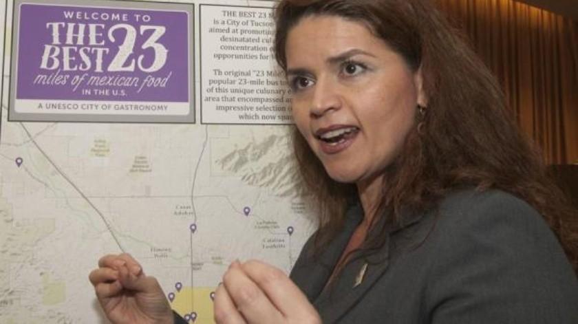 Alcaldesa de Tucson recuerda a Trump uso obligatorio de cubrebocas y deuda de 80 mil dólares de 2016(EFE)