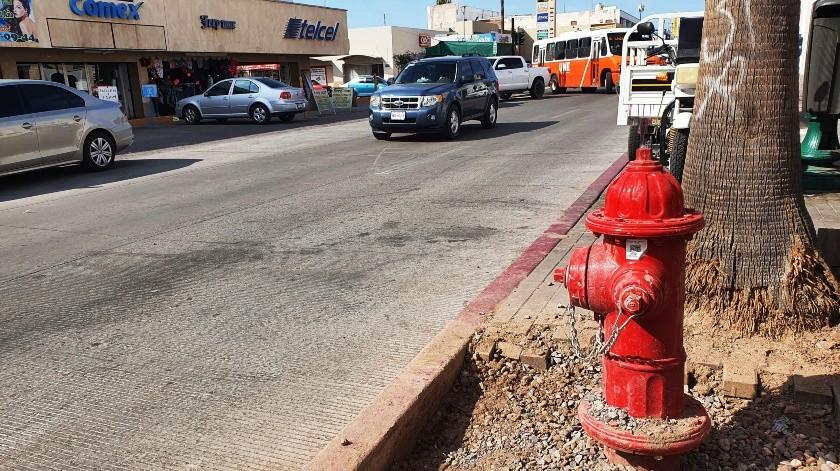 Pocos hidrantes son los que funcionan, ya que hay delincuentes que roban sus piezas para venderlas.(Julián Ortega)