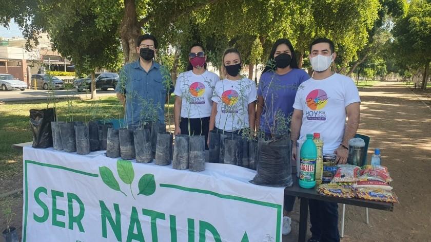 Las fundaciones Ser Natura y Hoy Por Ellos realizan el canje de árboles nativos por alimentos no perecederos(Anahí Velásquez)