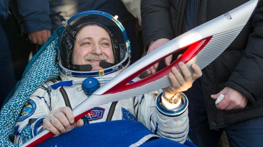 Cuando Yuri Gagarin se convirtió en el primer ser humano en viajar al espacio exterior, instauró sin preverlo un ritual que los supersticiosos cosmonautas cumplen a rajatabla desde hace décadas.(AP, POOL Reuters)