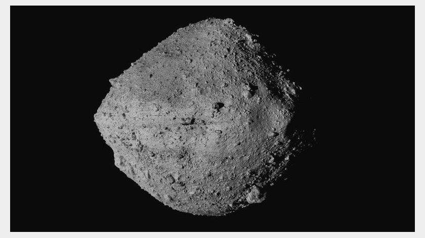 La misión, apodada Osiris-Rex, busca extraer por lo menos 60 gramos (2 onzas) de materia del asteroide Bennu, la muestra más grande sacada de un cuerpo celestial desde las misiones a la Luna.(AP)