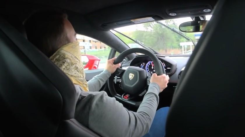 Detienen a 'youtuber' por conducir Lamborghini a 233 km/h(Youtube / @vicesat)