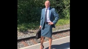 """""""Soy heterosexual y casado"""", hombre va con falda y tacones a todos lados"""
