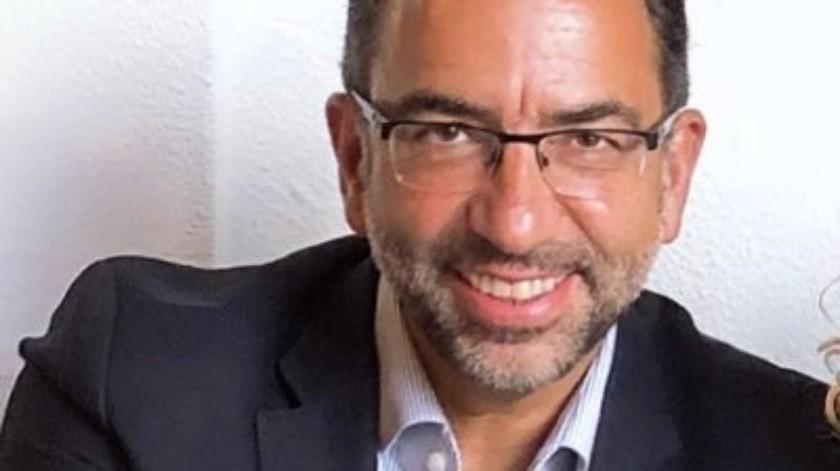 El exfuncionario constantemente causa polémica en redes sociales por sus comentarios(Twitter Javier Lozano)