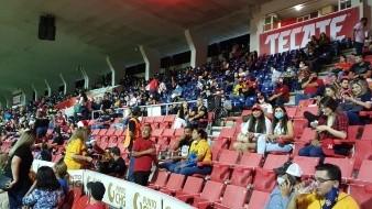 Algunos desaprueban la medida de no permitir gente en los estadios.