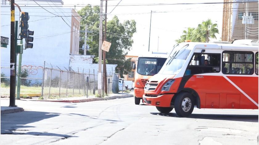 De acuerdo a UNE el servicio de transporte público en Hermosillo se presta con regularidad: hay 254 unidades, 24 emergentes, 20 de servicio especializado y 360 taxis en apoyo.(Archivo GH)