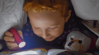 La importancia de introducir la lectura en la rutina antes de dormir