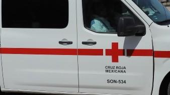 Ciclista sufre fuertes lesiones tras choque con auto; no se guardaron la debida distancia