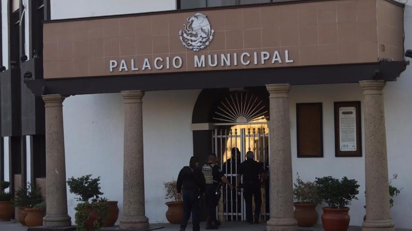 Liberan orden de arresto contra alcaldesa de Tecate; se encierra en palacio(Gustavo Suárez)