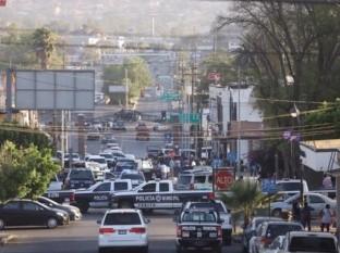 Liberan orden de arresto contra alcaldesa de Tecate; se encierra en palacio
