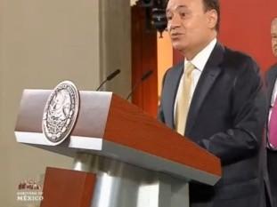 El secretario de Seguridad, Alfonso Durazo Montaño, hace público que renunciará al gabinete para contender por la gubernatura de Sonora, pero advierte que seguirá impulsando el gobierno de la 4T, liderado por López Obrador.