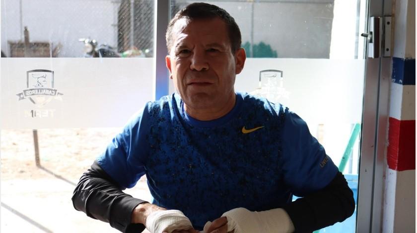 Julio César Chávez siempre ha defendido a su familia.(Archivo)
