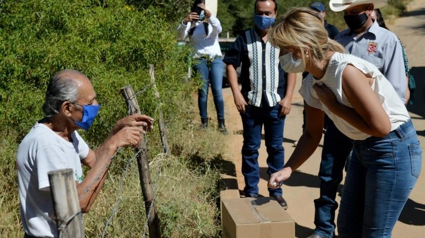 La gobernadora Claudia Pavlovich Arellano visitó ayer los municipios de Ónavas, Suaqui Grande y San Javier.(ESPECIAL)