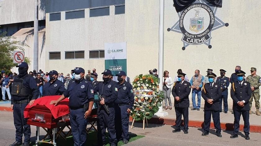 Realizaron homenaje póstumo al oficial Ricardo Lozano.(Mayra Echeverría)