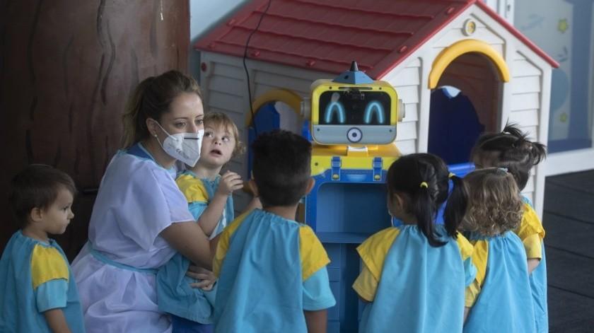 El país de 47 millones se encuentra entre los más afectados por la pandemia, con más de 34.000 muertes atribuidas a la enfermedad.(AP)