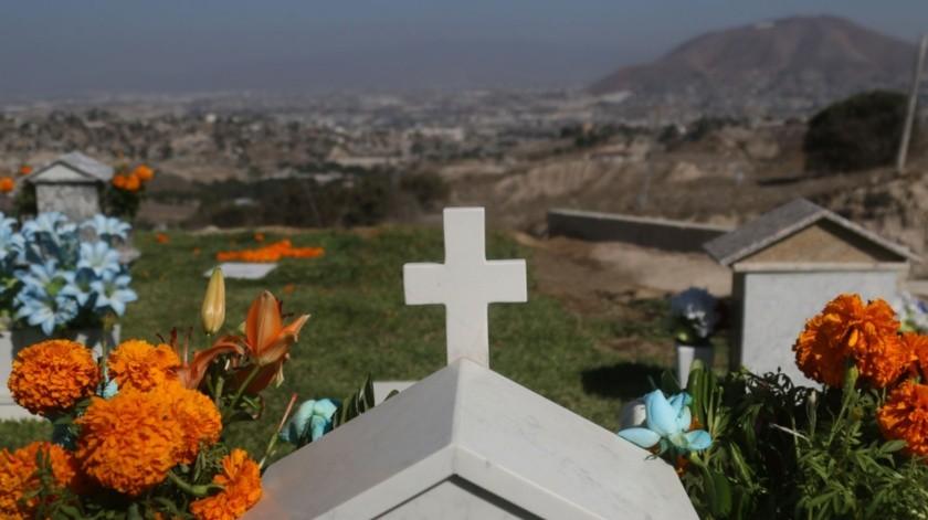 Seguirán cerrados los panteones en Tijuana.