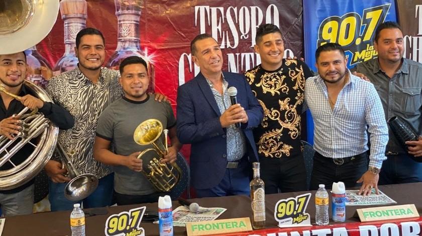 En conferencia de prensa se dieron a conocer los detalles del auto concierto de Banda Coloso.(Andrea García)