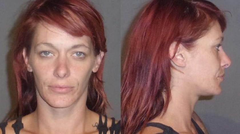 Mujer es detenida tras riña familiar por disparar un arma