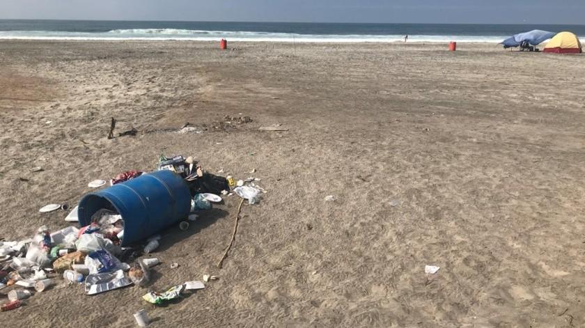Continúa problemática de basura en playas de Rosarito(Carmen Gutiérrez)
