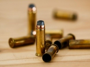 En discusión con vecinos, hombre es herido por arma de fuego en colonia Fovissste