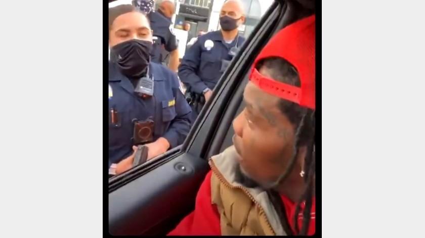 Offset esposo de Cardi B, tachó de ilegal que la policía abriera la puerta de su auto para sacarlo(GH)