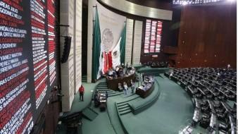 Oposición toma tribuna de San Lázaro ante aprobación a reforma de Fondo de Salud