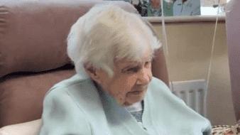La persona más vieja de Gran Bretaña, Joan Hocquard, de 112 años de edad, falleció ayer en su casa de Poole, Dorset
