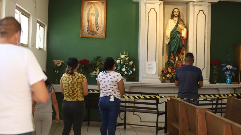 """""""Le pido a San Judas Tadeo que me regrese a mi hermano, no importa si vivo o muerto"""": Adriana Chávez(Archivo GH)"""