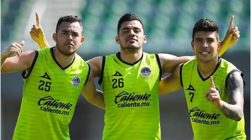 Mazatlán FC explica por se retiraron a algunos aficionados durante el partido ante Rayados(Instagram @mazatlanfc)