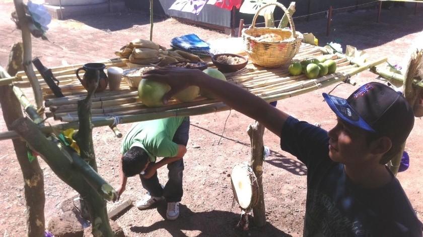 Navojoenses decidieron instalar tapancos y altares para sus difuntos.(Banco Digital)