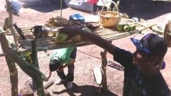 Navojoenses decidieron instalar tapancos y altares para sus difuntos.