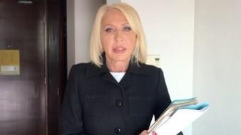 Laura Bozzo asegura que no le pagará ni un peso a Gabriel Soto e Irina Baeva