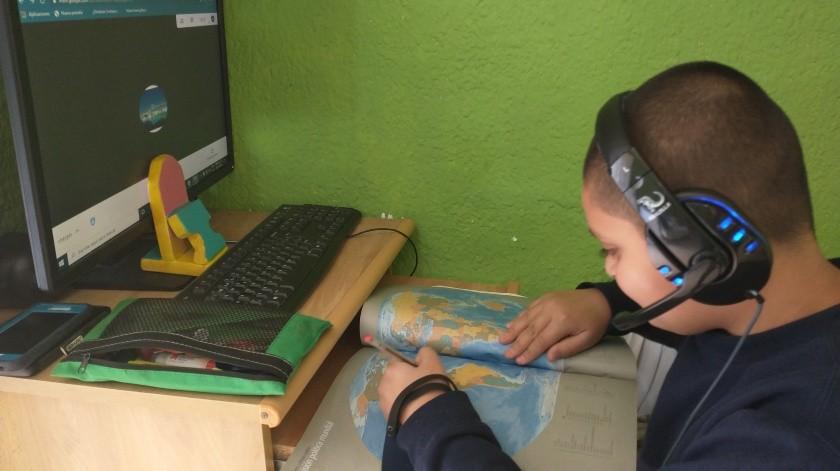 A Dylan Rodríguez, estudiante del quinto grado de la primaria, no le parecen atractivas las clases a distancia.(Khennia Reyes)