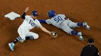 Los Dodgers están a una victoria de coronarse.