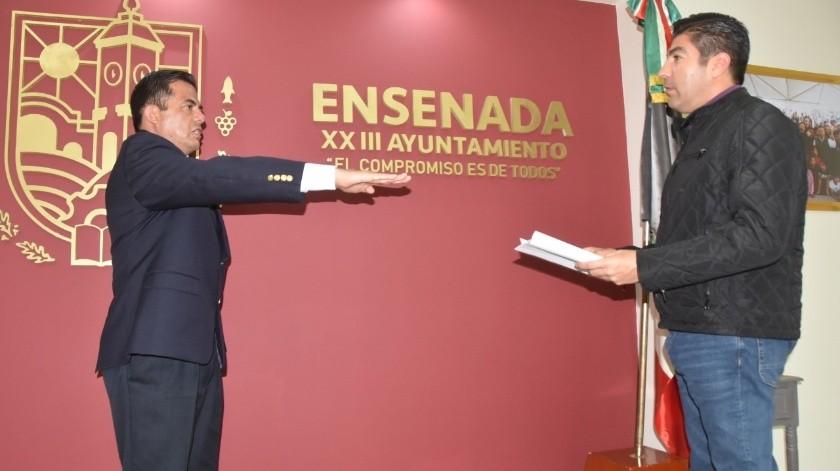 El alcalde Armando Ayala Robles tomó protesta al mayor de infantería David Armando Sánchez González.(Cortesia)
