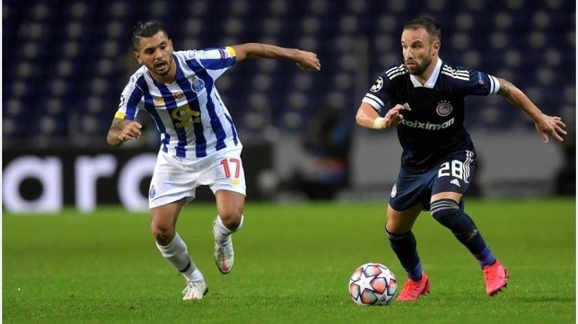 Jesús Corona jugó 69 minutos en el triunfo del Porto.(EFE)