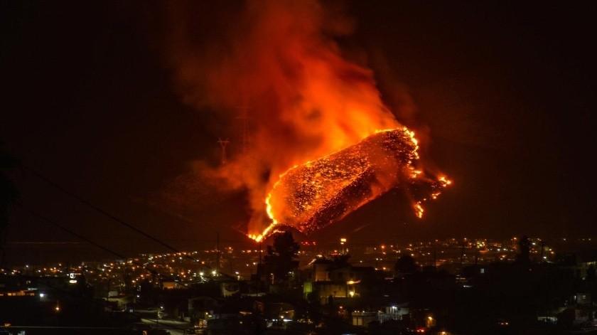 Dos incendios forestales en Ensenada(Alejandro Zepeda)